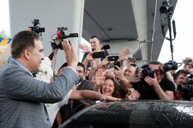 Саакашвілі показав разючу різницю між Зеленським та Порошенком: за кого насправді проголосували українці