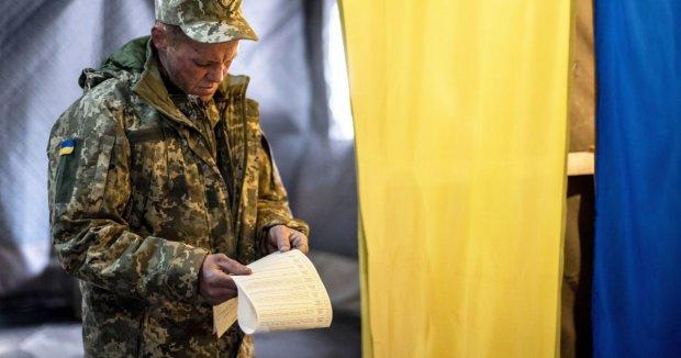 """Неожиданная демобилизация повергла украинцев в шок: """"Ваши рейтинги это не спасет"""""""