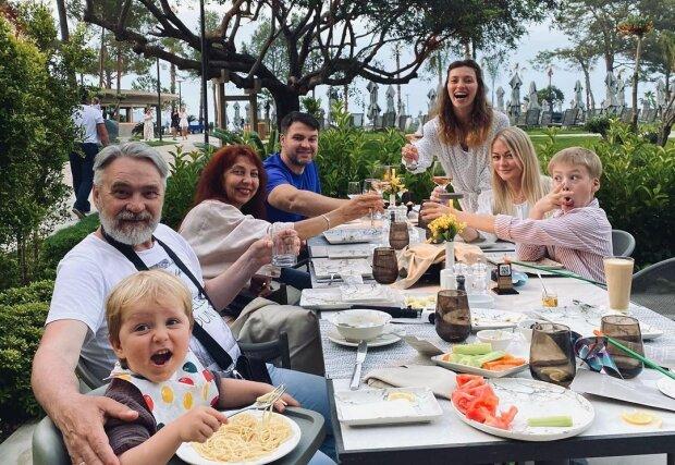 Регіна Тодоренко з сім'єю, фото з Instagram