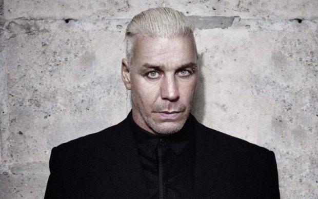 SOS: фронтмен Rammstein попросил спасти его из плена россиян