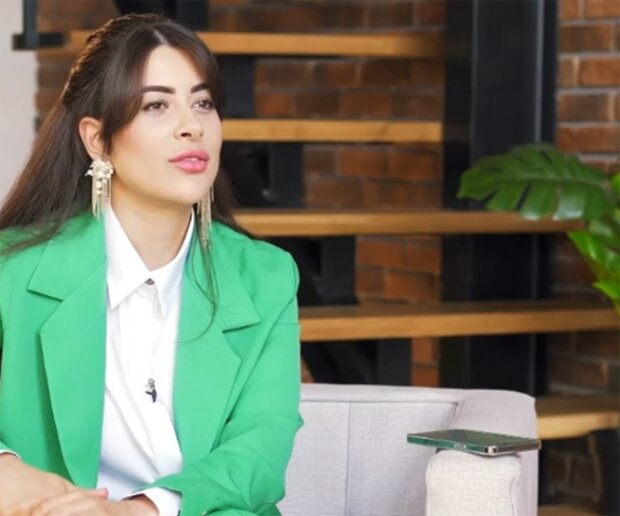 Рамина Эсхакзай, скриншот из видео