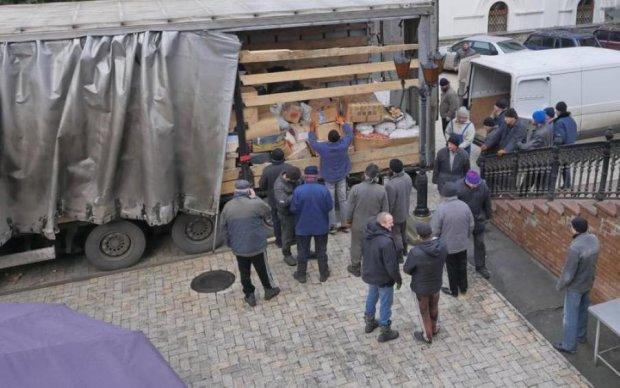Путин послал на Донбасс очередную партию хлама и оружия