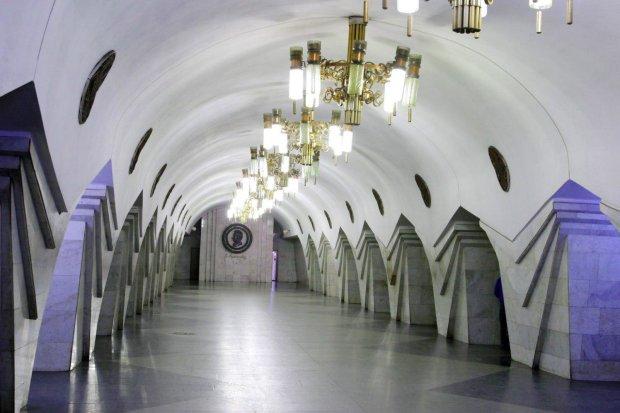 """Подростки """"взяли штурмом"""" харьковское метро"""