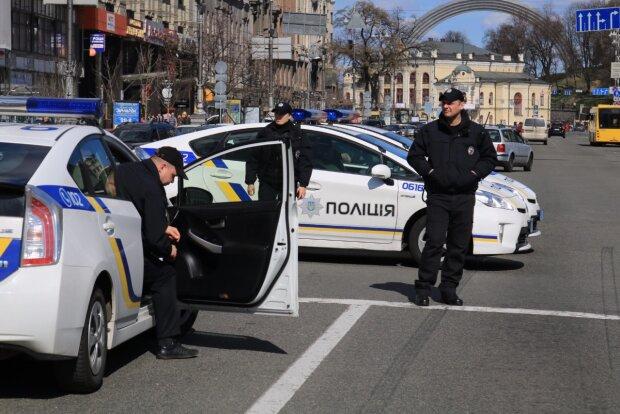 """Фанатка Путіна в погонах впаяла вінничанину штраф, наважився звернутися """"на мові"""": кадри скандалу"""