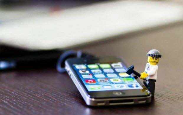 Apple рассказала о дыре в защите iPhone
