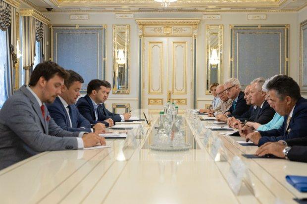 Зеленський замінить Банкову на Український дім: як виглядатиме нова адміністрація президента