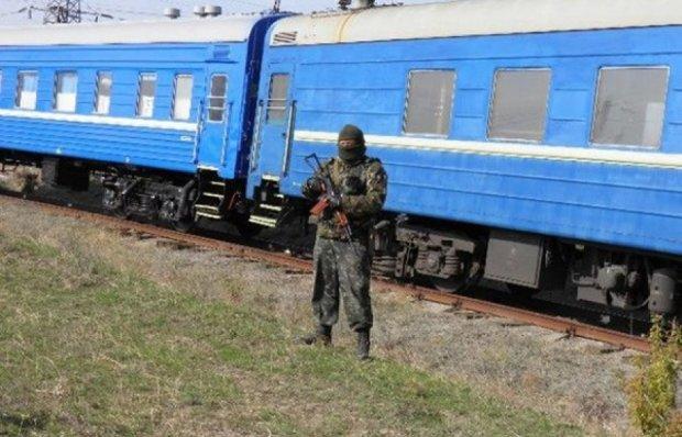 В Краснодон прибыли 20 вагонов с российским оружием