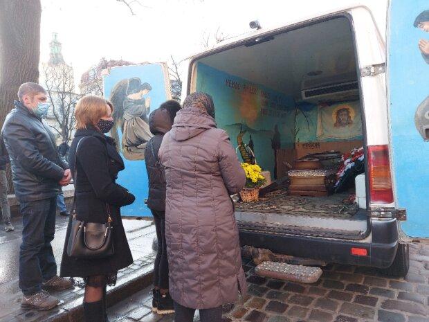 У Львові проводили в останню путь мужнього козака, що поліг на фронті: у 25 життя тільки починалося
