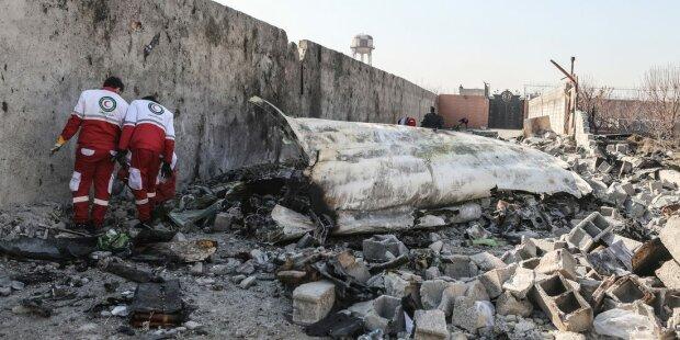 Авария самолета МАУ, фото из свободных источников