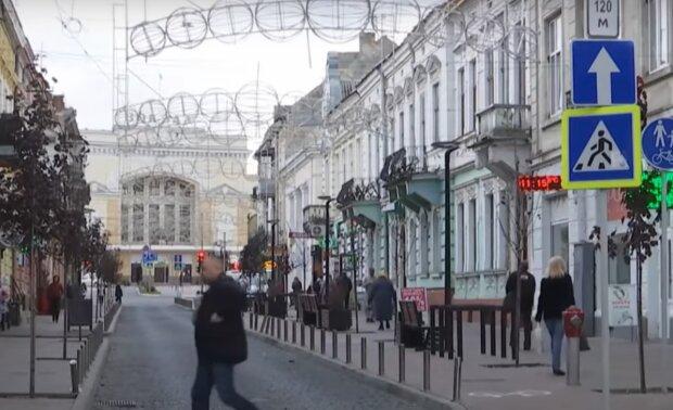 Тернополь обвешали камерами, будут следить даже ночью