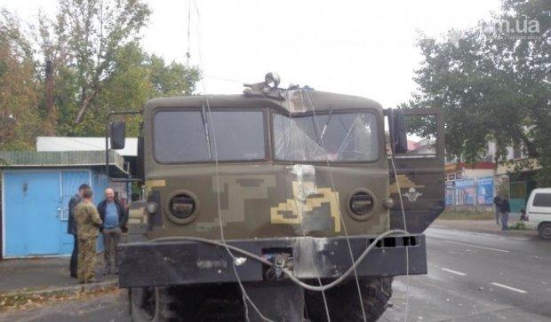 Серйозна ДТП: військовий лишив половину Первомайська без світла