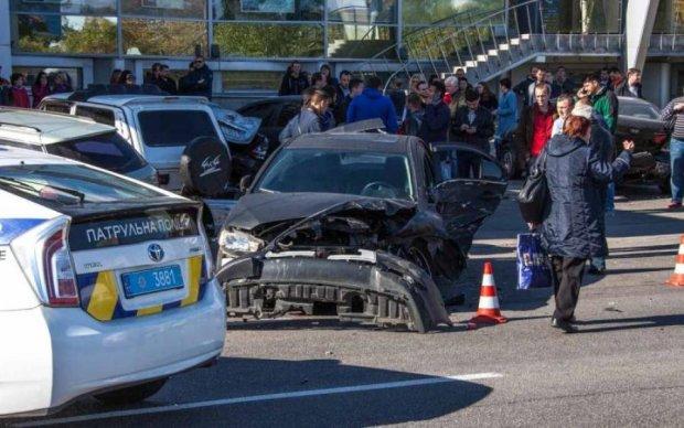"""Різко """"осліп"""": неуважність київського водія вбила пішохода"""