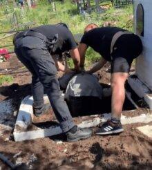 У Кропивницькому в попа вселився біс - кинувся з лопатою на могилу померлого священика