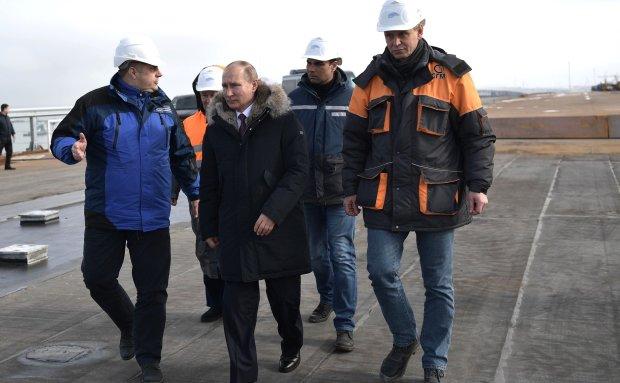 Путин только прикидывался дурачком: американцы разоблачили его цели с Крымским мостом