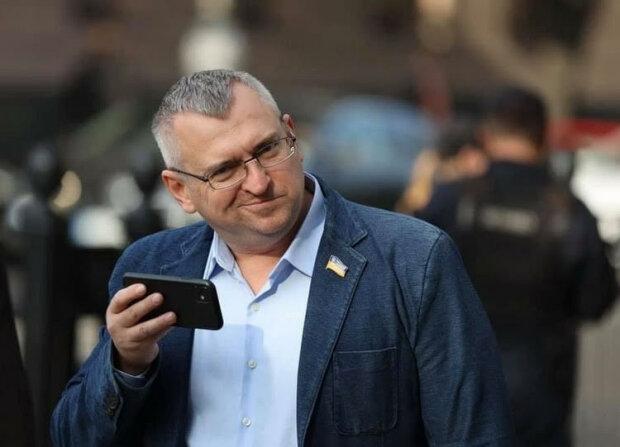"""""""Слуга"""" Федиенко запугивает украинцев повышением цен на Интернет"""