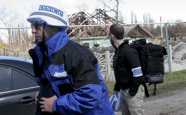 Наемники Путина переправляли на Донбасс вооружение: что увидели наблюдатели ОБСЕ в грузовом поезде