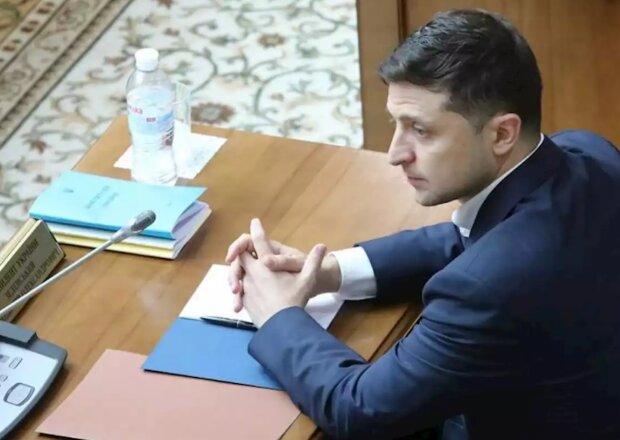 У Зеленского объявили войну фейкам: где найти настоящего президента Украины