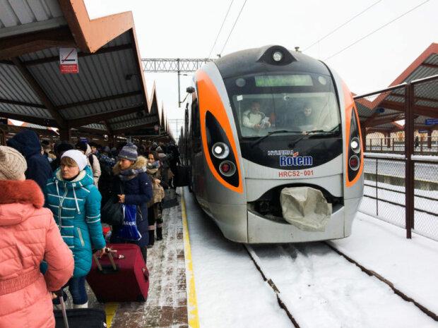 Поезд, фото из свободных источников