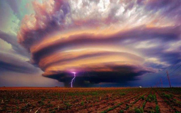 Зона смерті: вчені змогли зазирнути всередину торнадо