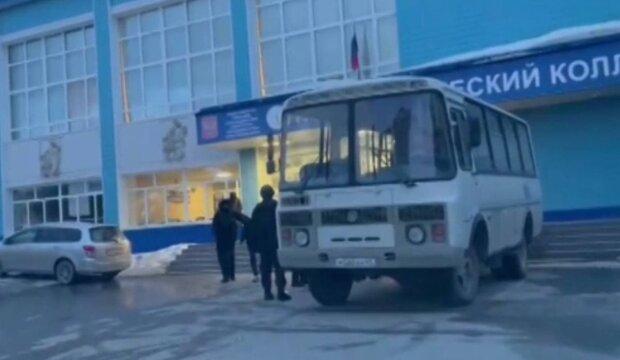 Автобус спецназа / скриншот из видео