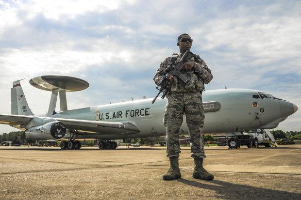 Літаки Трампа і Трюдо обірвали крильця путінським Ту-160: подробиці спецоперації