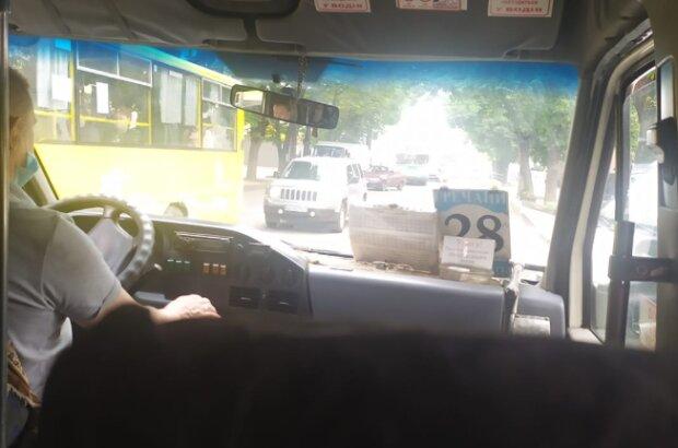Водитель маршрутки, фото facebook