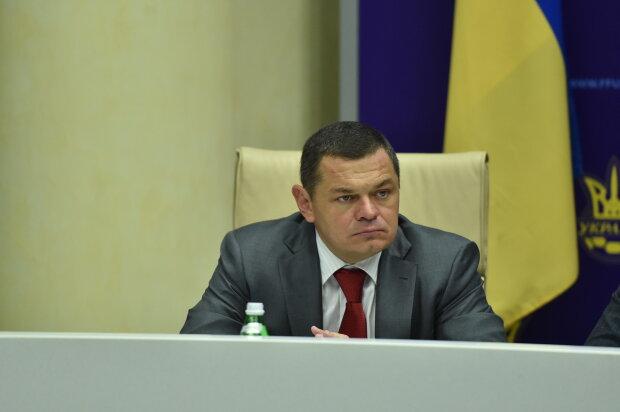 """Сотни прожиточных минимумов на """"побрякушку"""": соратник Януковича похвастался шикарной жизнью перед нищими украинцами, фото"""