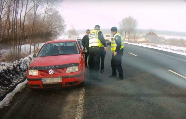 Украинка родила прямо за рулем машины по дороге в роддом