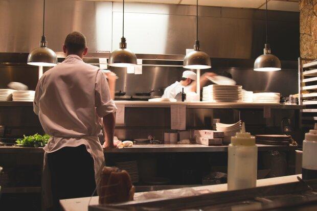 Кухня ресторана, фото pxhere
