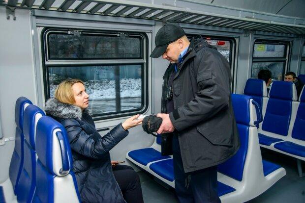 """""""Укрзализныця"""" закупит два элитных внедорожника: пока пассажиры трясутся в старых вагонах"""