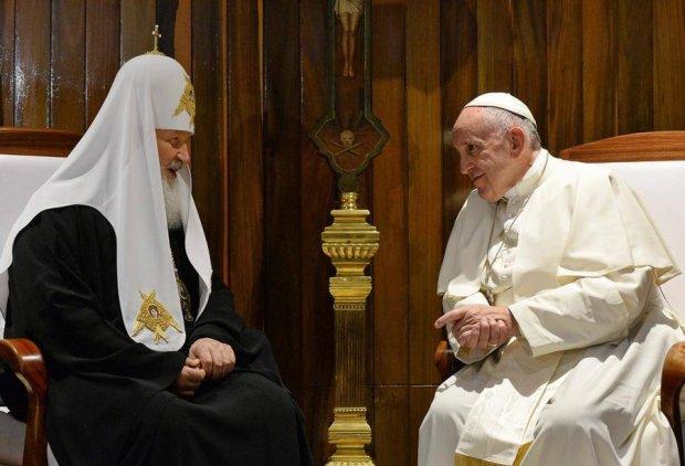 Украинцы сравнили Папу Римского с Патриахом Кириллом: соцопрос