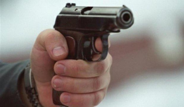 В Мукачево открыли стрельбу возле школы