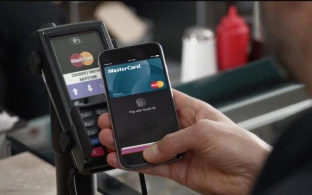Нужен только смартфон: в Украине запустят новые банковские карты