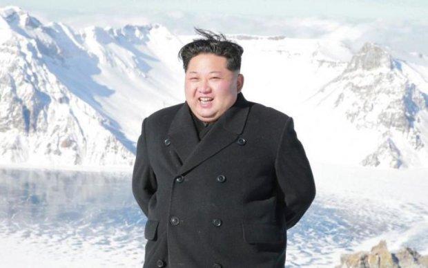 """Ким Чен Ын заморозил самые страшные """"игрушки"""" человечества"""