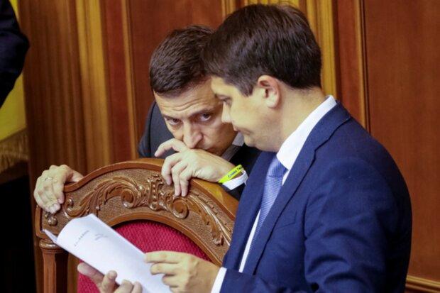 """Зеленський напився в перші 100 днів президентства, все йде за планом: """"На ногах стояв!"""""""