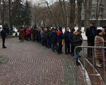 Відомий актор впав непритомний на похороні Сергія Юрського