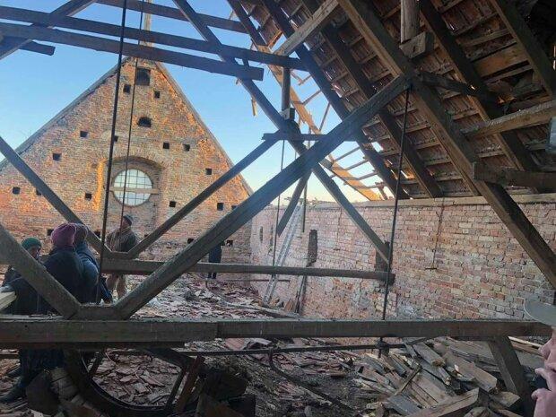 Не витримав байдужості і снігу: під Львовом обвалився 300-річний костел капуцинів