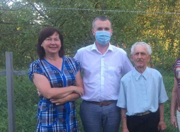 На Прикарпатье двое пенсионеров отметили юбилей - 90, а они еще бегают