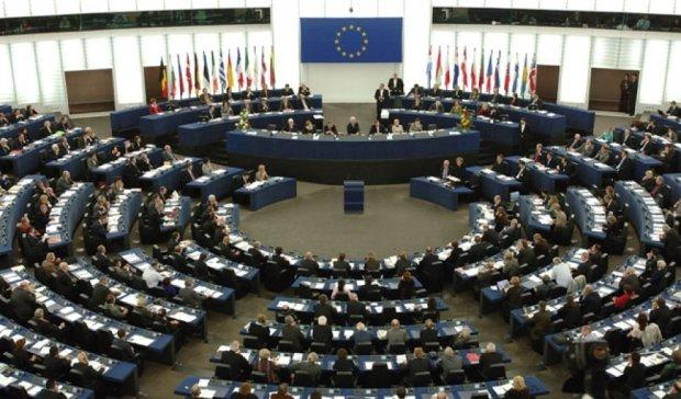 Европарламент принял резолюцию с требованием освободить Сенцова и Кольченко