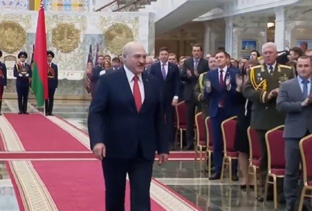 """Лукашенко жорстоко побив матір свого сина Колі: """"Хочеш статевим органом заробити на білоруський трон"""""""
