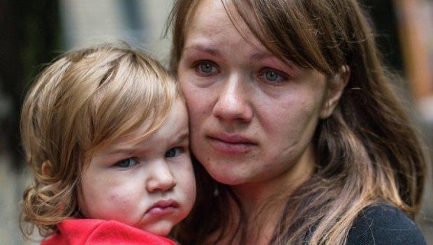 Боевики не выпустили женщин с детьми из Луганска