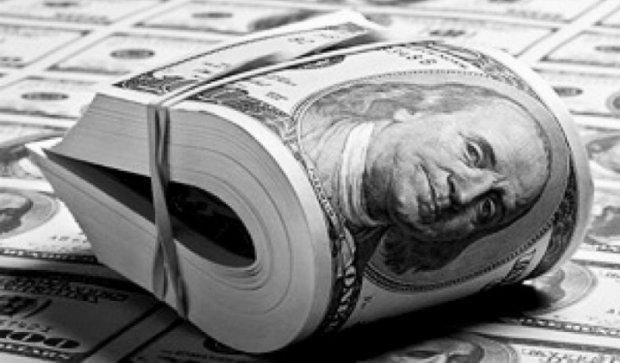 В сентябре украинцы понесли валюту в банки