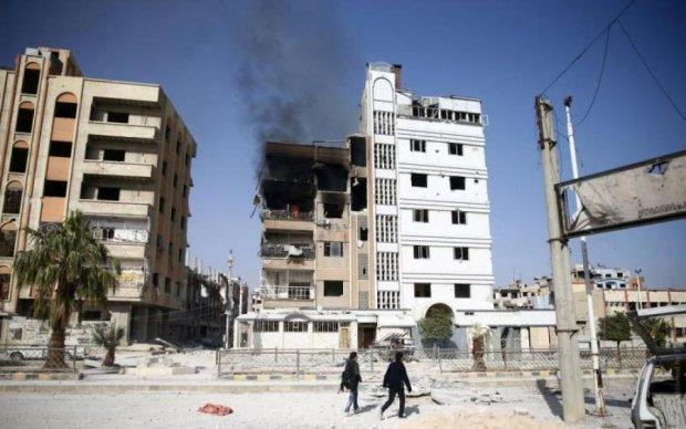 Удар по Сирии: боевики разлетелись от мощной вспышки