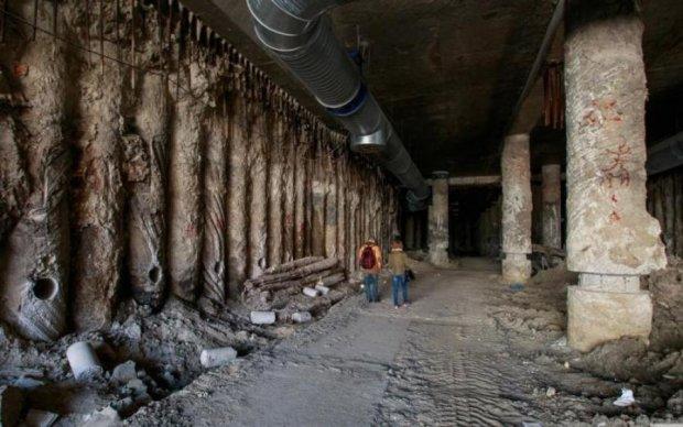 Накроют бетонной плитой? Чиновники уничтожат историческое достояние Киева