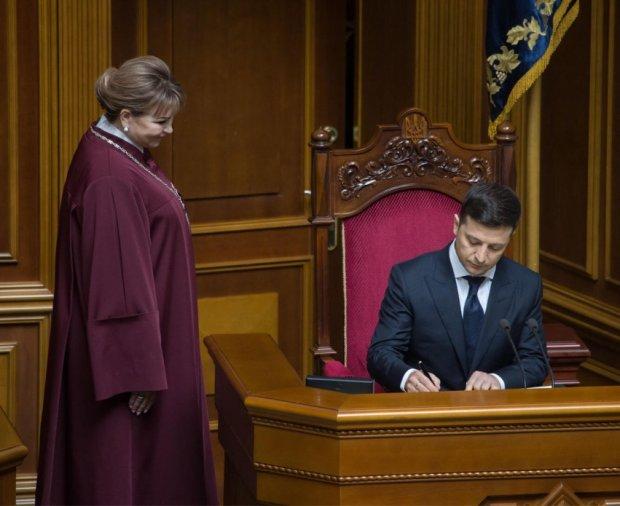 """У Зеленського планують кардинально змінити Конституцію: """"Ми збираємося..."""""""