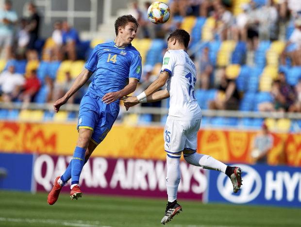 Збірна України U-20 вийшла у фінал ЧС, а Росія пропустила гол від воротаря, відео