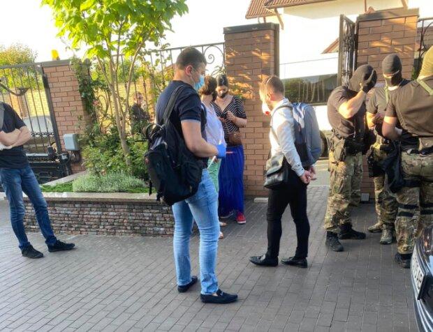 Обыск ГБР, фото: facebook.com/volodymyr.omelyan