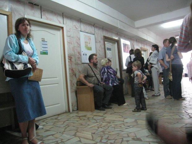 Украинских детей косит опасная инфекция: из детсада на больничную койку