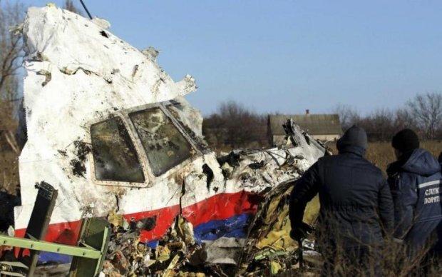 Катастрофа МН17: світу показали фото кровожерливих вбивць