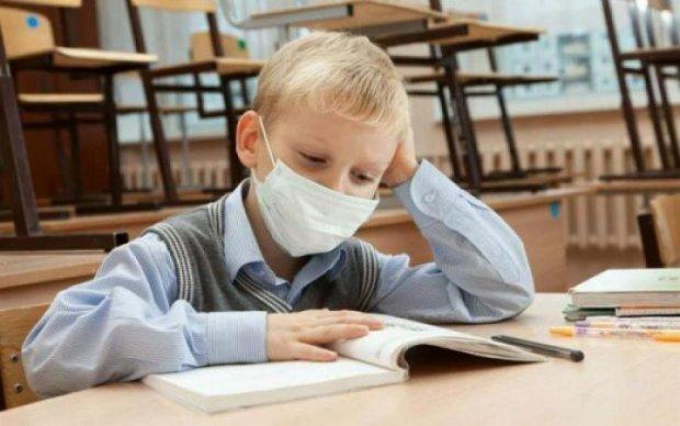 Вірус повертається з новою силою: влада зачинила всі школи міста, лікарні переповнені